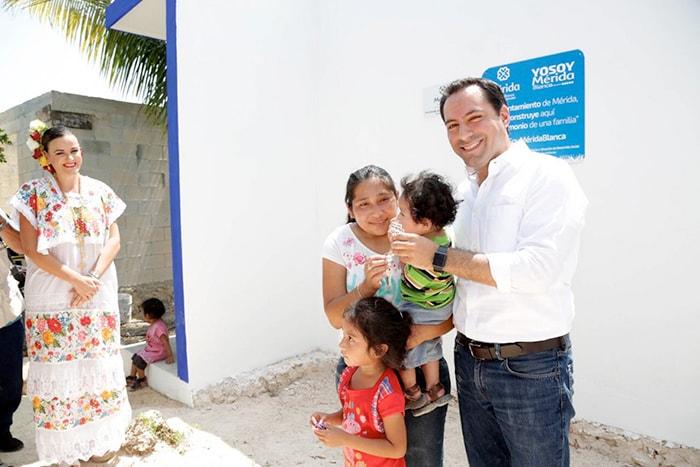 """El Alcalde firma convenio con """"Hábitat para la humanidad México"""" para la construcción de 350 casas completas en Mérida"""