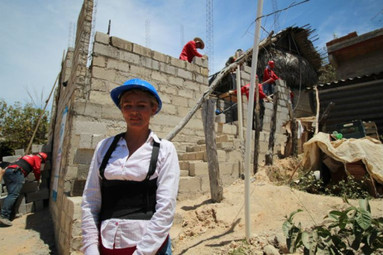 Ciudadanos de seis países construyen casas en Nayarit