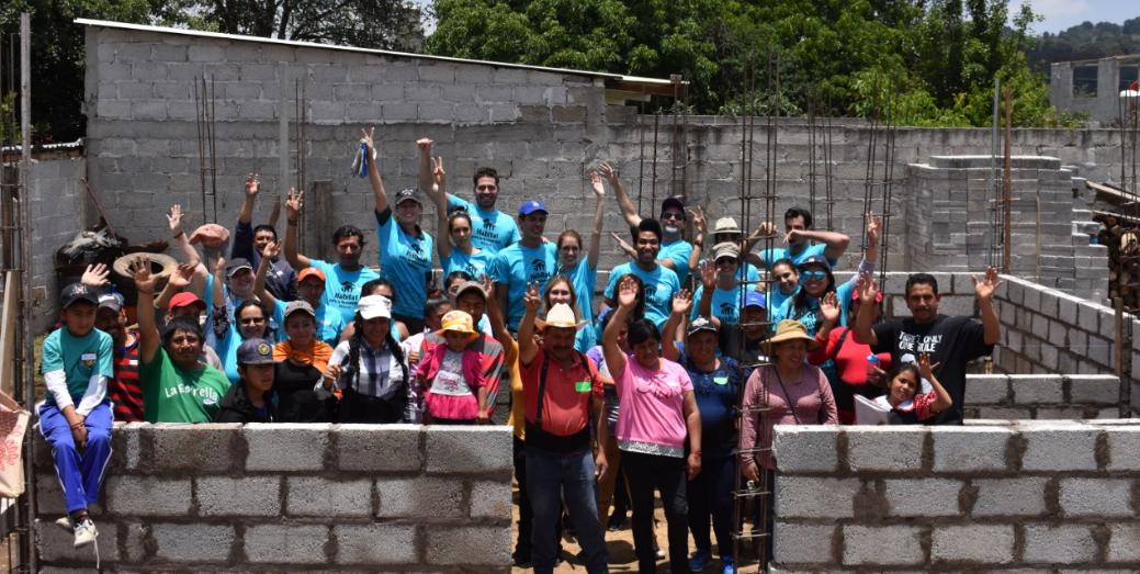 Celebridades construyen en San Felipe Hidalgo, Tlaxcala