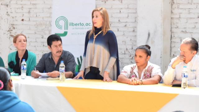 IVEM signa convenios de colaboración en beneficio de 50 familias en Tzintzuntzan y Zacapu