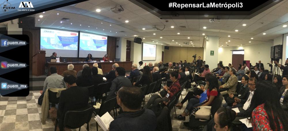 Equipo de investigadores de Hábitat México presente en foro Repensar la Metrópoli III