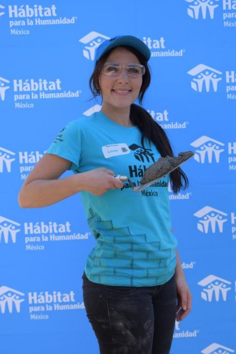 Lorena del Castillo como voluntaria de Hábitat para la Humanidad México