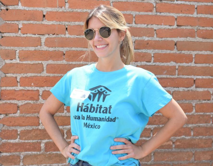 Sol Madrigal como voluntaria para Hábitat para la Humanidad México